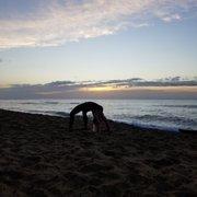 Sunrise Photo Of Kauai Yoga On The Beach Kapaa Hi United States Pre