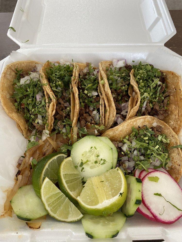 Taqueria Mexico Lindo: 2532 NW Vivion Rd, Northmoor, MO