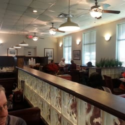 Photo Of Wally S Restaurant Chattanooga Tn United States Nice Diner Setting And