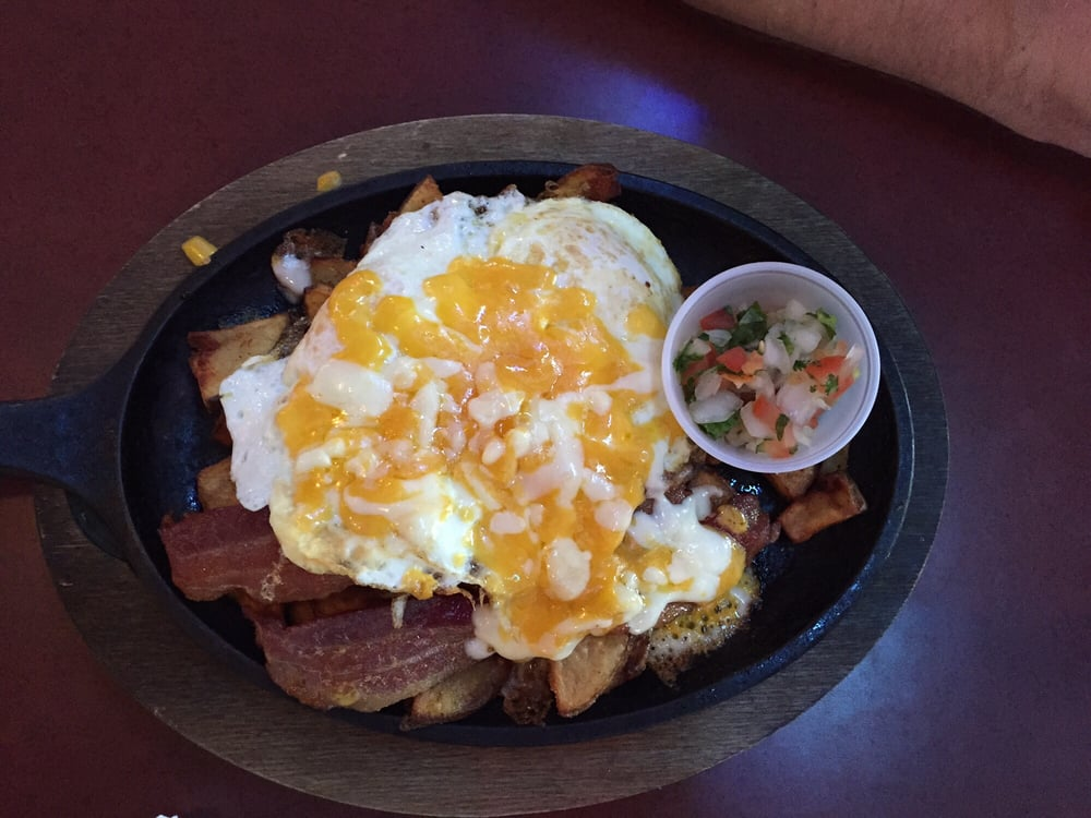 Country Skillet Papas 2 Fried Eggs Pico Amp Cheese 7