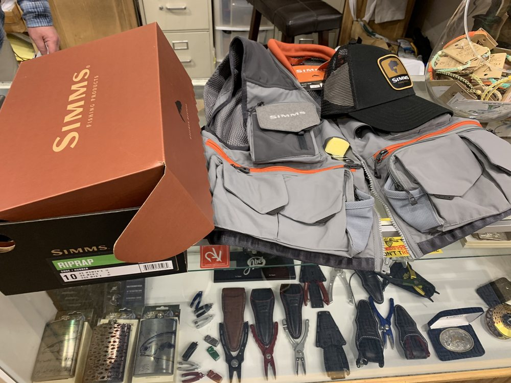 Chicago Fly Fishing Outfitters: 1279 N Clybourn Ave, Chicago, IL