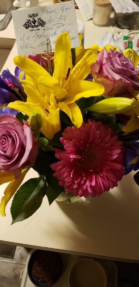 Village Florist: 215 E Main St, Flushing, MI