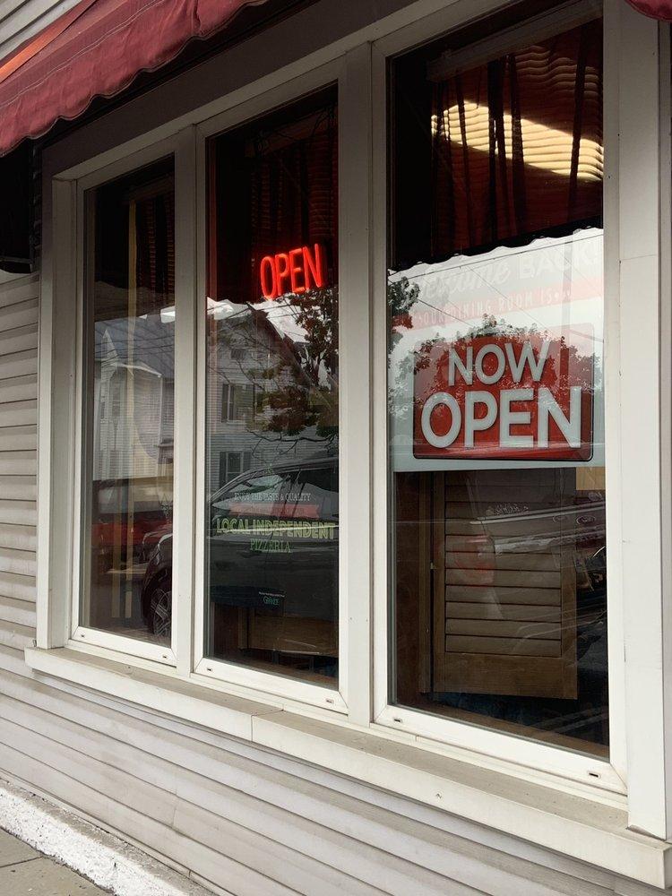 Gennaro's Italian Restaurant: 139 N Main St, Moorefield, WV