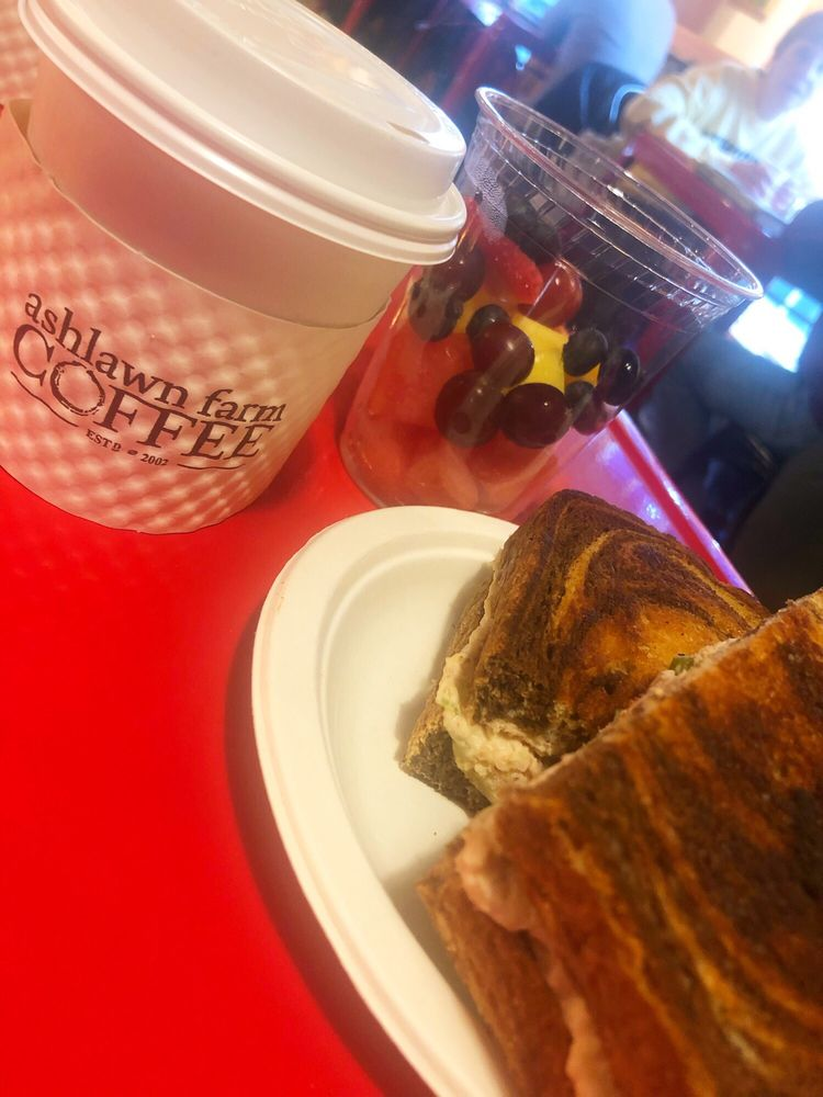 Ashlawn Farm Coffee: 455 Boston Post Rd, Old Saybrook, CT