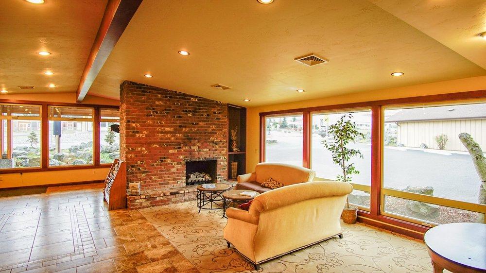 Olympic View Inn: 830 W Washington St, Sequim, WA