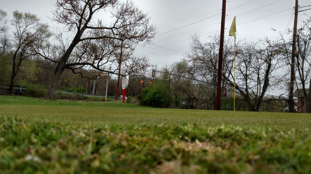 Brookside Par 3 Golf Course: 6303 Williamson Rd, Roanoke, VA
