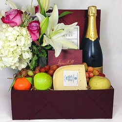 Fancifull Gift Baskets - 44 Photos & 129 Reviews - Florists - 5617 ...