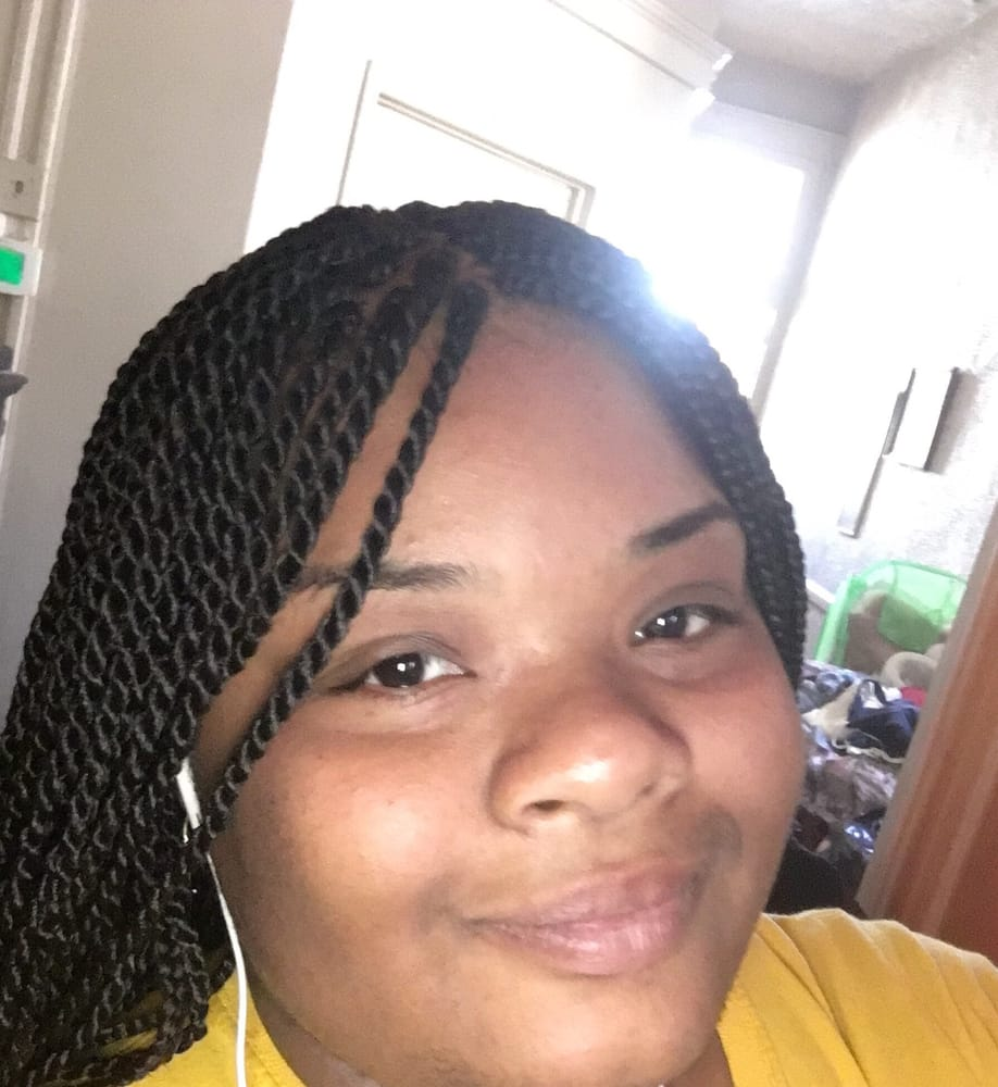 Bousso Hair Braiding 美容院 1037 W Baltimore St Hollins