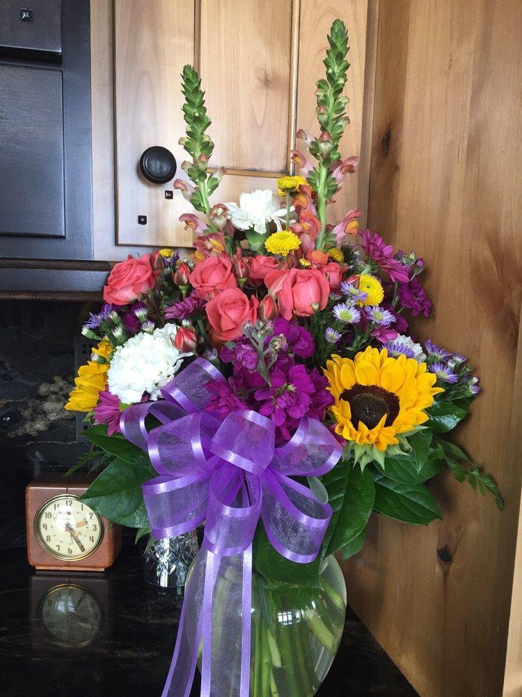 Red Bicycle Country Store & Flowers: 2612 N Hwy 162, Eden, UT