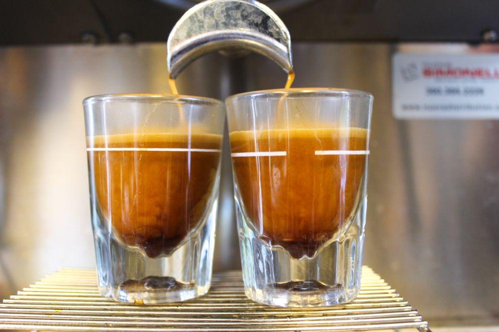 Blackbird Coffee: 2530 Peace Portal Dr, Blaine, WA