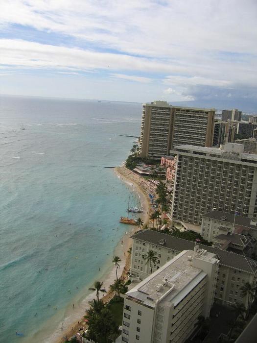 Hilton Hawaiian Village Waikiki Beach Photo Gallery: View Facing The Hilton Hawaiian Village
