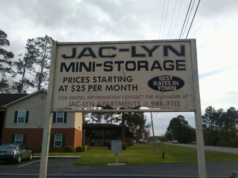 Jac-Lyn Mini Storage: 517 26th Ave Se Ofc, Moultrie, GA