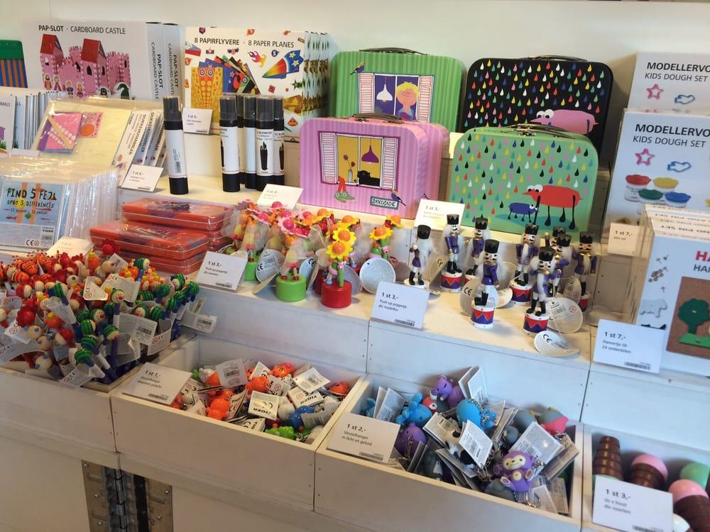 Flying Tiger 17 Photos 15 Reviews Gift Shops Rembrandtplein