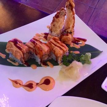 New kanda asian fusion sushi bar lounge order food for Asian fusion cuisine and sushi bar