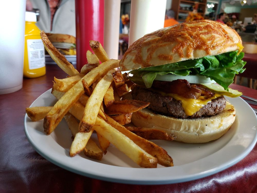 North Powder Cafe & Truck Stop: 975 2nd, North Powder, OR