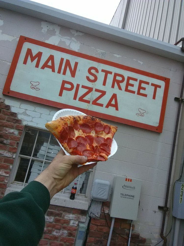 Food from Main Street Pizza