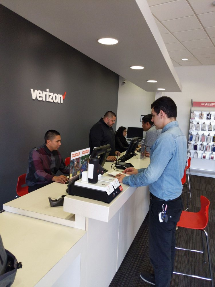 Wireless Plus, Verizon Authorized Retailer: 14510 Baldwin Park Towne Ctr, Baldwin Park, CA