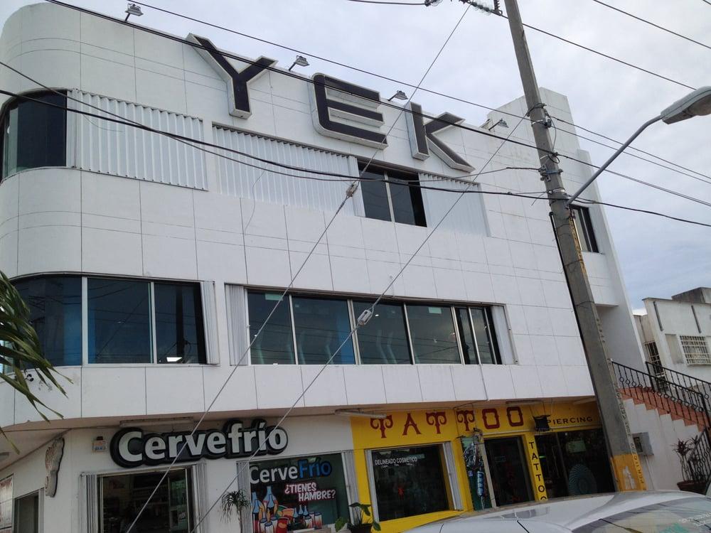 Yek gimnasios av torres esquina con rojo gomez sm 57 for Gimnasio 4 torres
