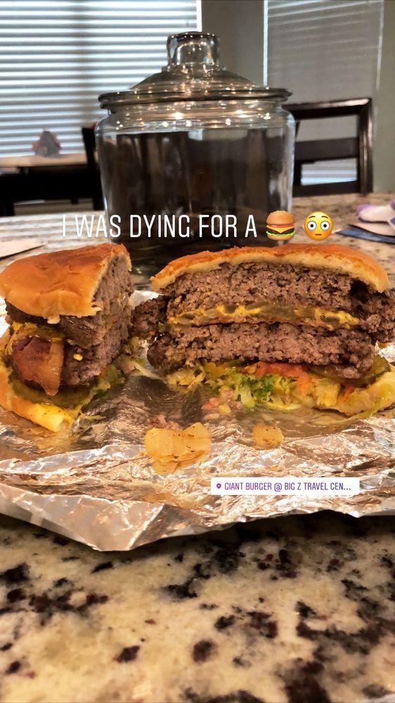 Giant Burger: 405 W Bc Rhome Ave, Rhome, TX