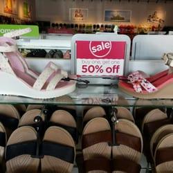 b4f20b553a06 Crocs - 34 Photos   28 Reviews - Shoe Stores - 94-790 Lumiaina St ...