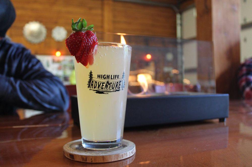 High Life Zip 'n Sip Restaurant: 92111 High Life Rd, Warrenton, OR