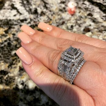 Wedding Rings Kay Jewelry.Kay Jewelers Outlet Jewelry 855 S Grand Central Prkwy Downtown