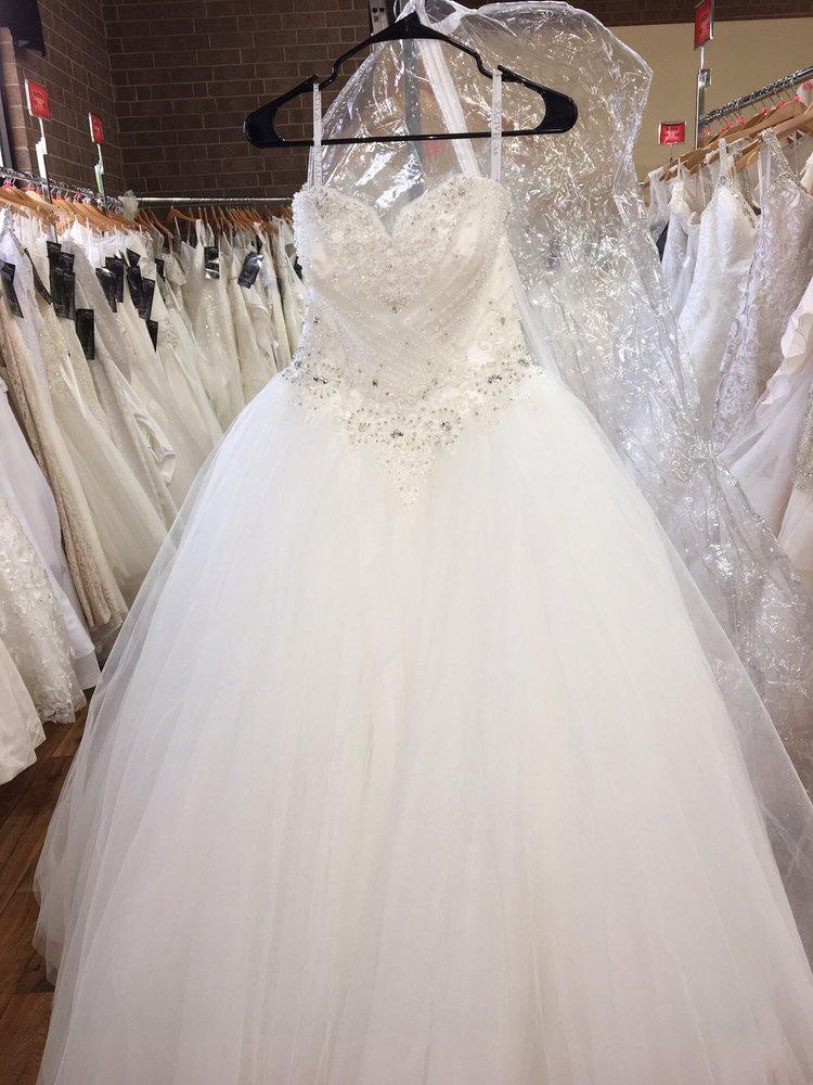 Jillian\'s Bridal Outlet - Bridal - 1275 26th St SE, Hickory, NC ...