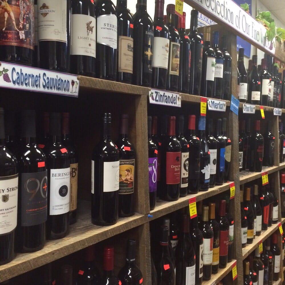 Lisai's Chester Market: 526 Depot St, Chester, VT