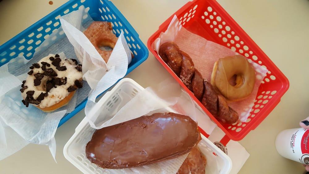 Divine Donuts: 1405 Clay St, Vicksburg, MS