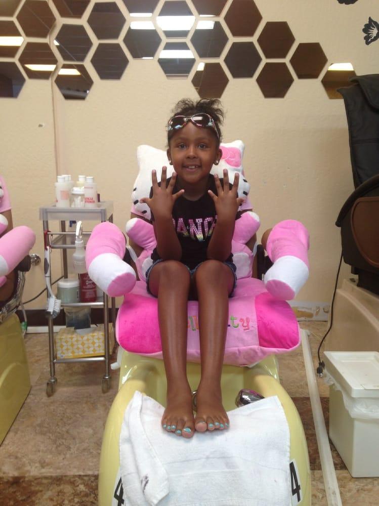 Lyna S Salon And Nail Spa
