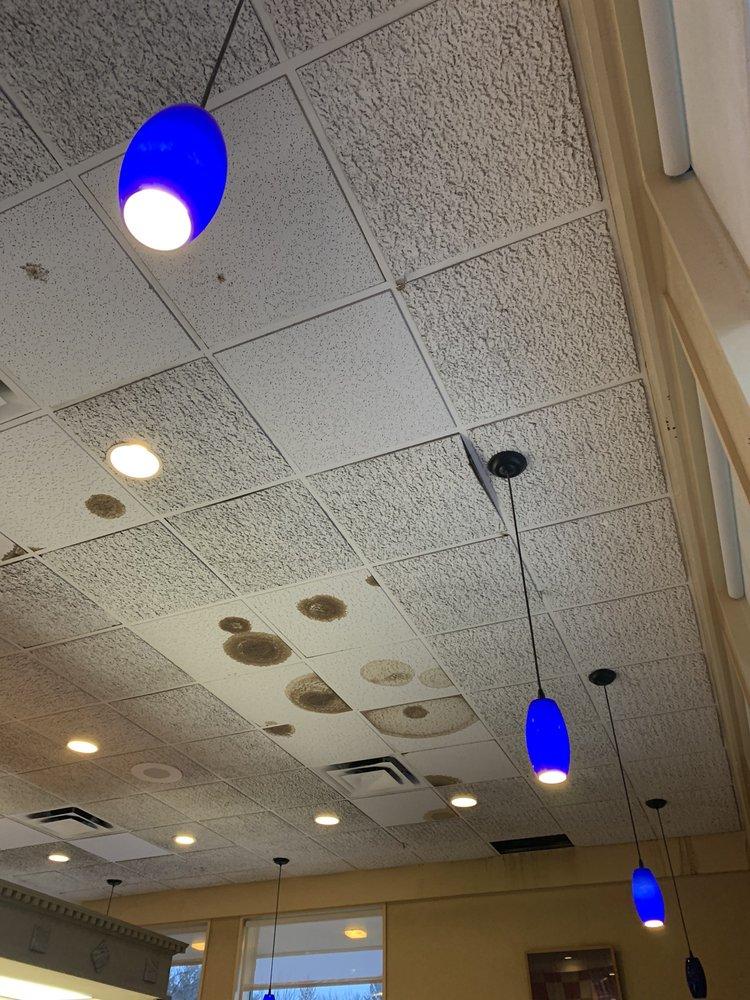 Big Boy Restaurants: 660 S Cedar St, Kalkaska, MI