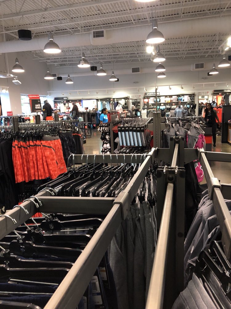 Under Armour Factory House - National Harbor: 6800 Oxon Hill Rd, National Harbor, MD