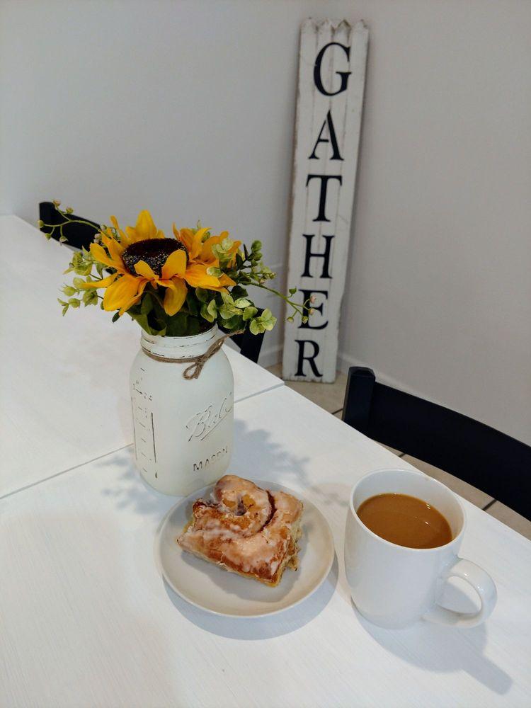Sunflour Bakery & Cafe: 1034 US Highway 11, Gouverneur, NY