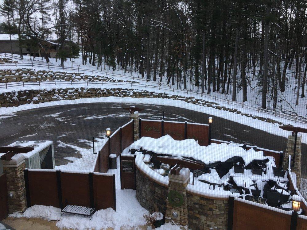 Sundara Inn and Spa: 920 Canyon Rd, Wisconsin Dells, WI