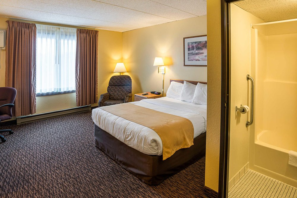 Econo Lodge Near Miller Hill Mall: 4197 Haines Rd, Duluth, MN