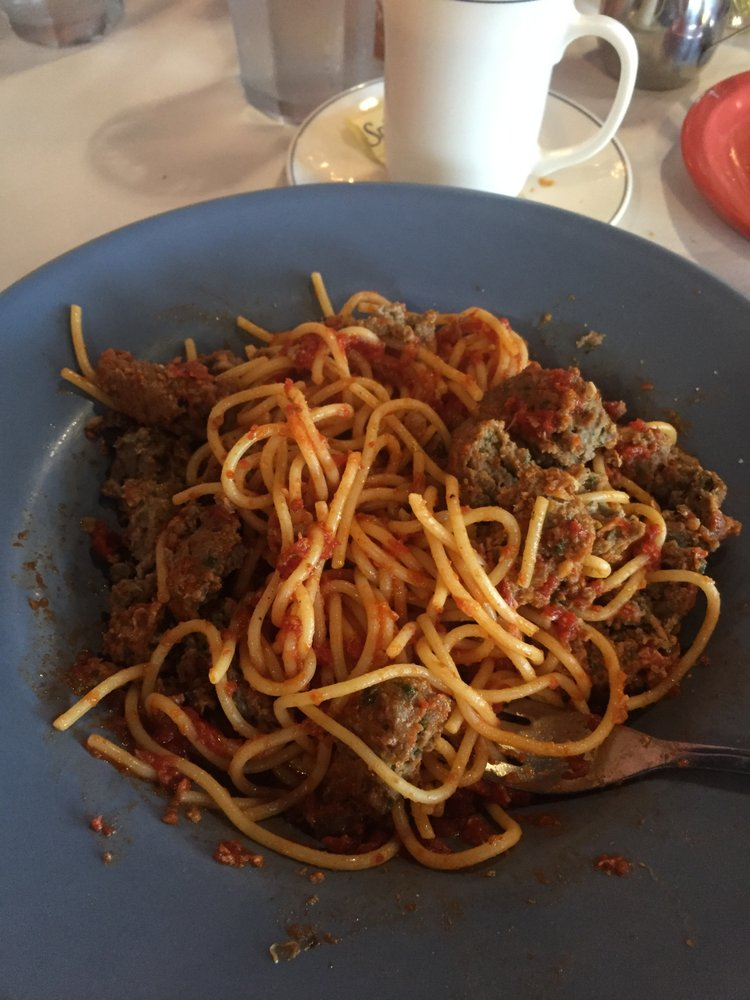 Bella Italia Restaurant & Pizzeria: 114 W 7th St, Cozad, NE