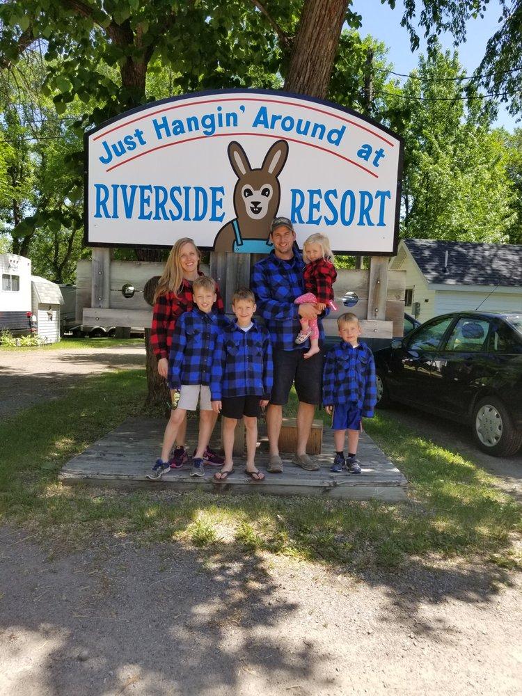 Riverside Resort: 21026 State Hwy 22, Richmond, MN