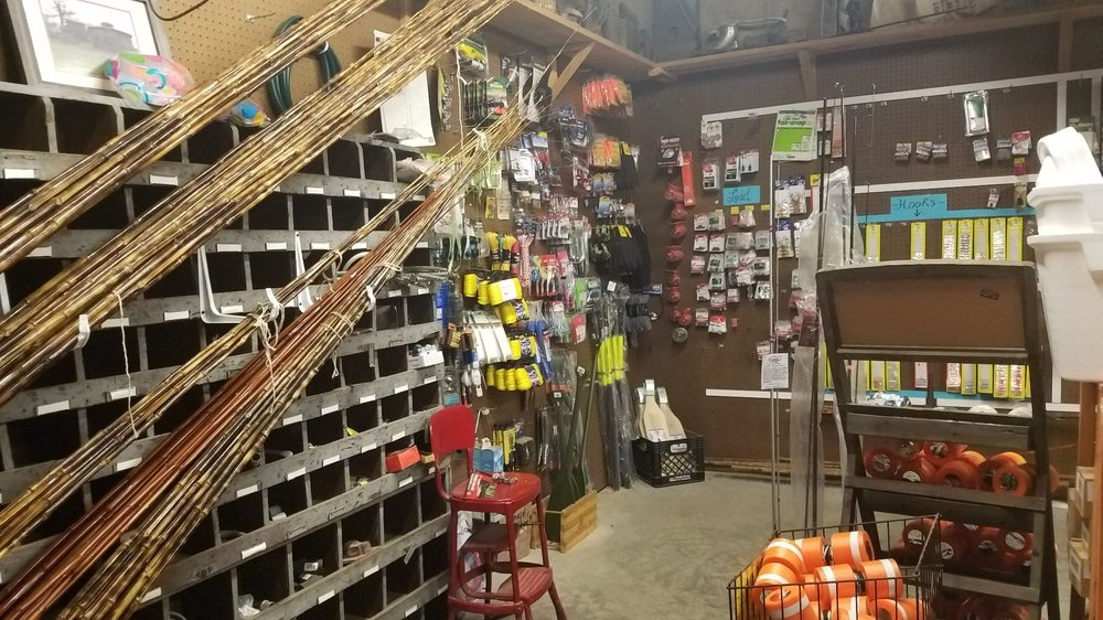 Roy's Store: 7 Roy'S Store Rd, Chatham, MS