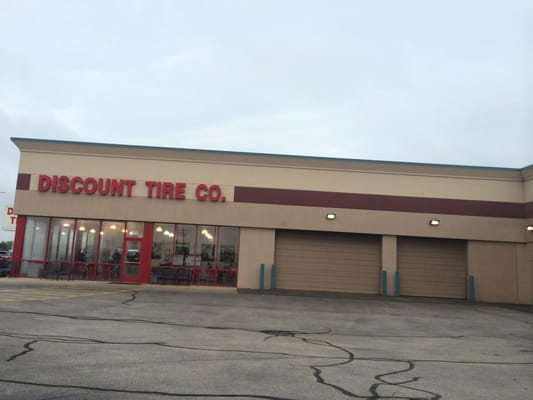 Discount Tire 1117 E Ogden Ave Naperville Il Tire Dealers Mapquest