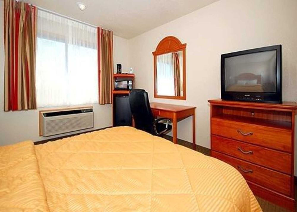 Quality Inn: 2923 6th Ave, SE, Aberdeen, SD