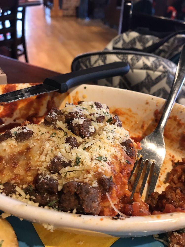 Rotolo's Pizzeria: 3015 Dowlen Rd, Beaumont, TX