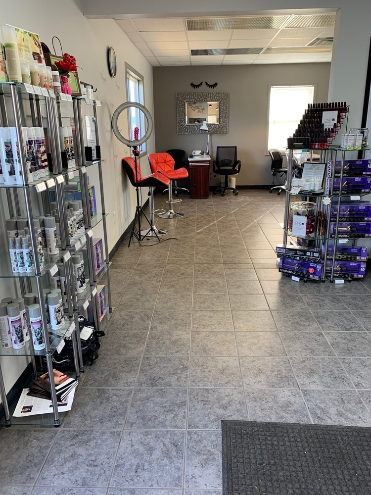 Viaggio Salon & Spa: 2370 Hudson Rd, Hillsdale, MI