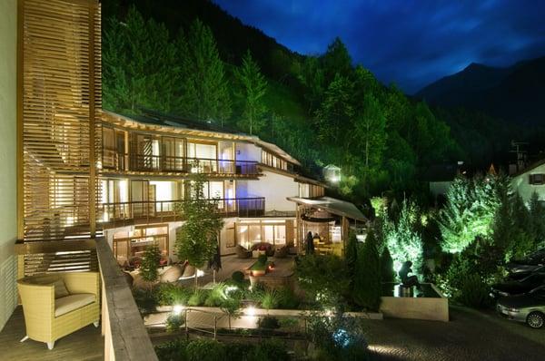 Hotels schlossweg 9 9 campo for Designhotel feldmilla