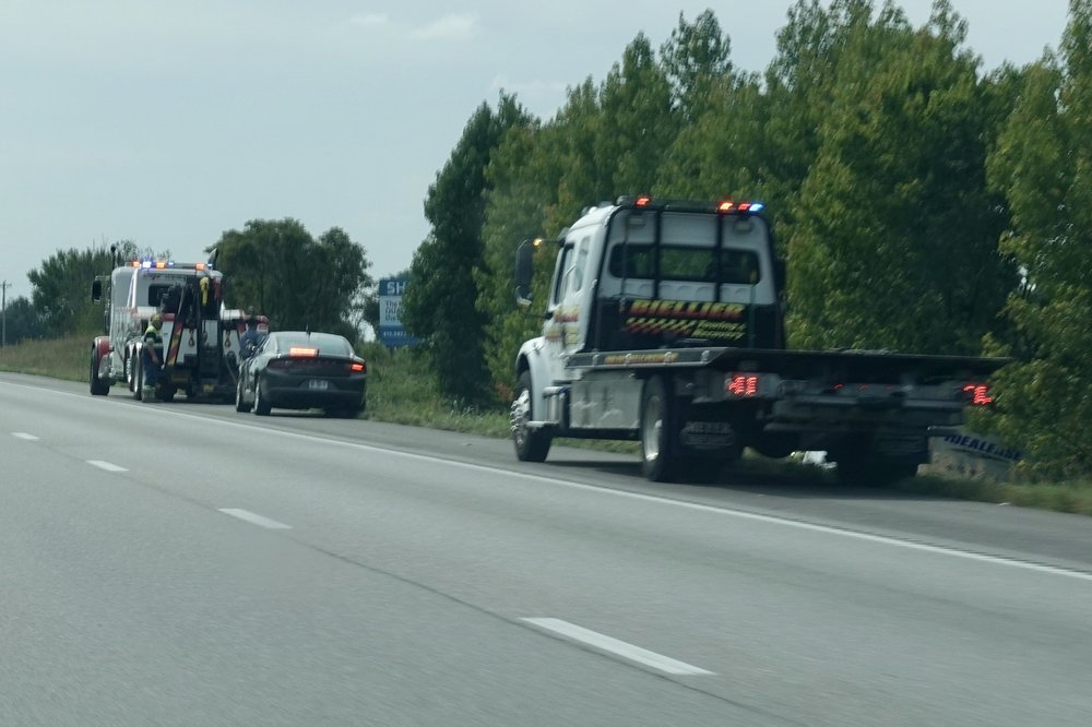 Biellier Towing & Recovery Service: 11225 Lawrence 1163, Mount Vernon, MO