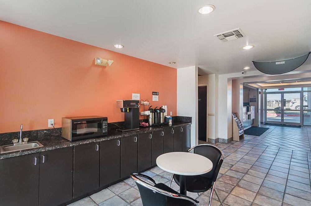 Motel 6: 101 Mira Pl, Terrell, TX