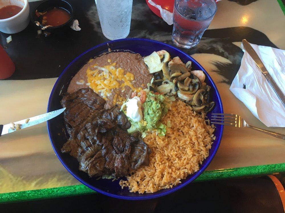 El Sombrero Mexican Restaurant: 405 Thain Rd, Lewiston, ID