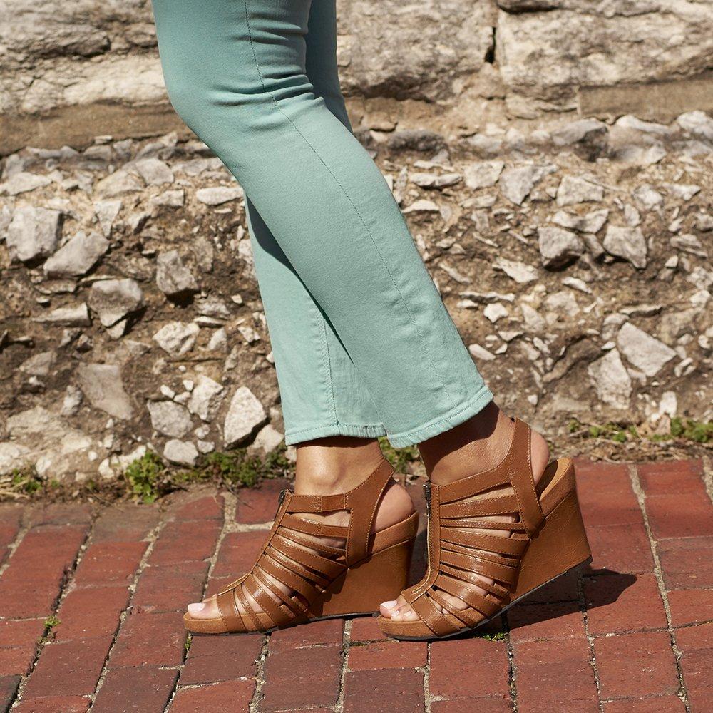 Famous Footwear: 3731 N Rock Rd, Wichita, KS