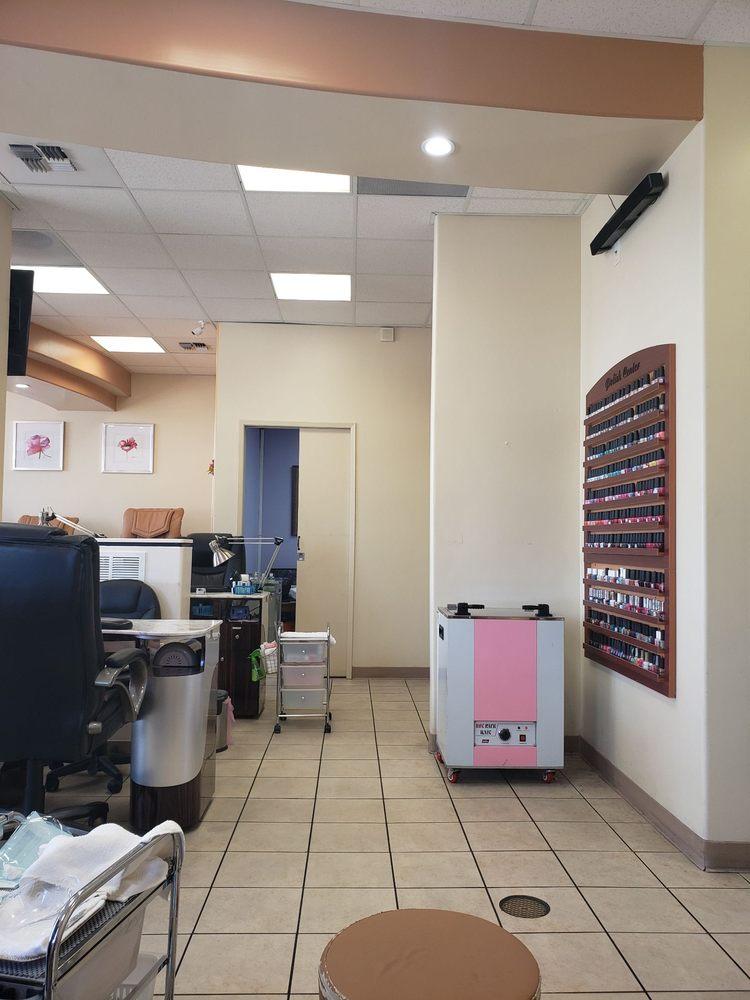 Beauti Nails: 13043 Stockdale Hwy, Bakersfield, CA