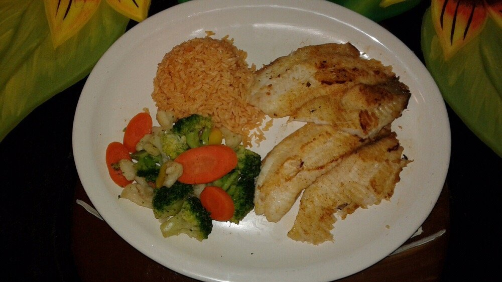 Los Compadres Mexican Grill: 5268 Old Hwy 11, Hattiesburg, MS