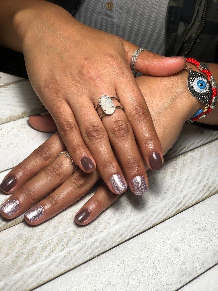 Friends Nails and Beauty Salon: 1506 S Expressway 83, Harlingen, TX